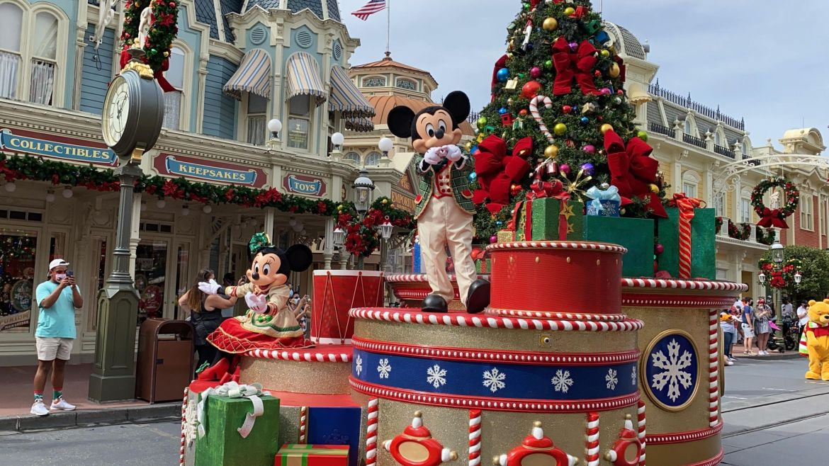 Get into the Christmas Spirit with the Mickey & Friends Holiday Cavalcade