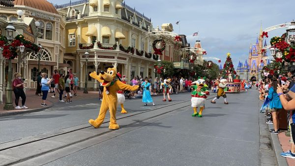 Get into the Christmas Spirit with the Mickey & Friends Holiday Cavalcade 2