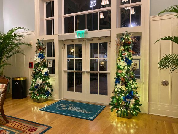 Christmas decorations delight guests at Disney's Beach Club Resort 6