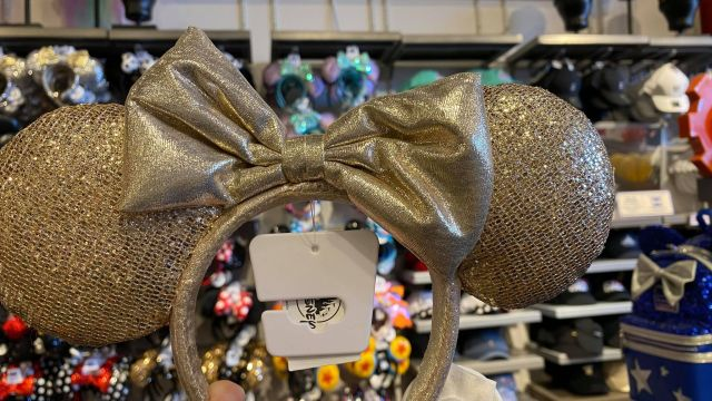 New Minnie Mouse Ears Have Sparkled Into Walt Disney World 2