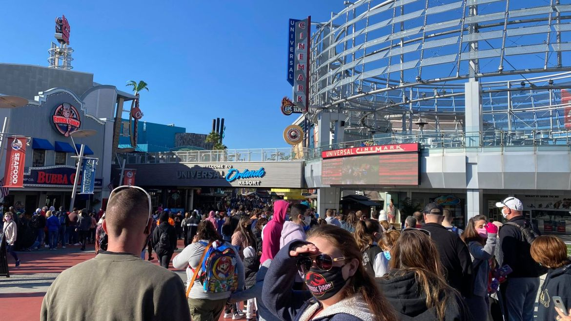 Universal Orlando reaches capacity before 9am today!