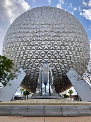 Closer look at the new Epcot Fountain & Pylons 2