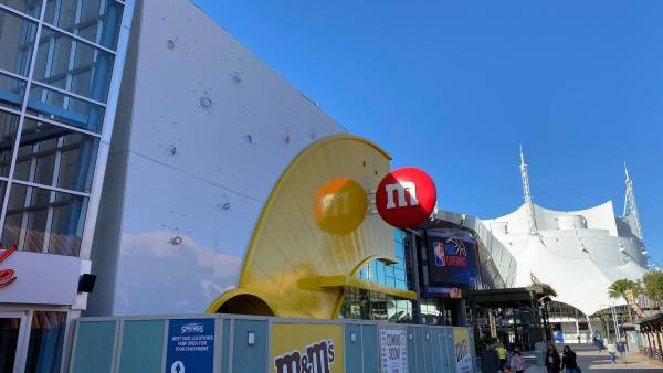 sign up m&m store disney springs