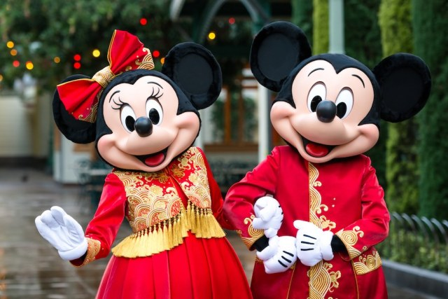 Disney considers eliminating monthly payments for Disneyland annual passes 2