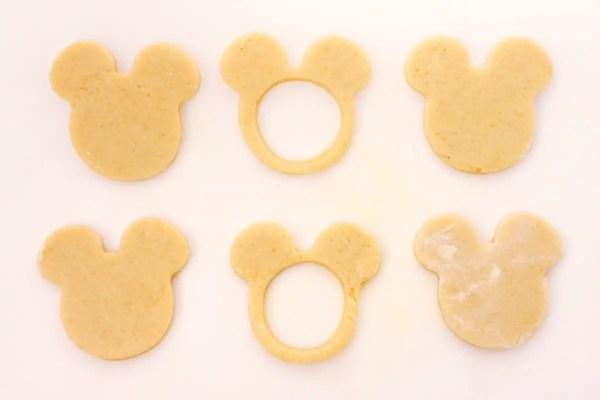 Mickey pinata sugar cookies