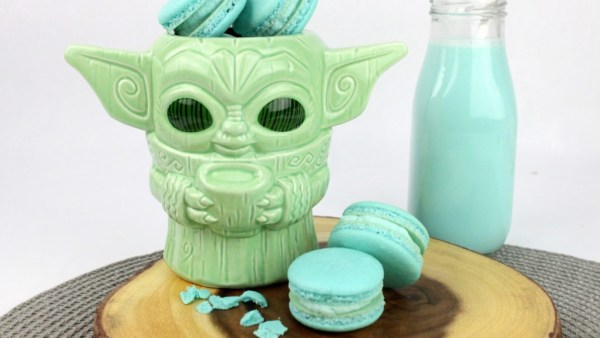 Baby Yoda macarons