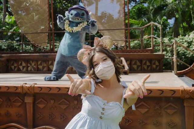 Peyton Elizabeth Lee From Disney+ Original Series, 'Doogie Kamealoha M.D.,' Visits Aulani Resort 3