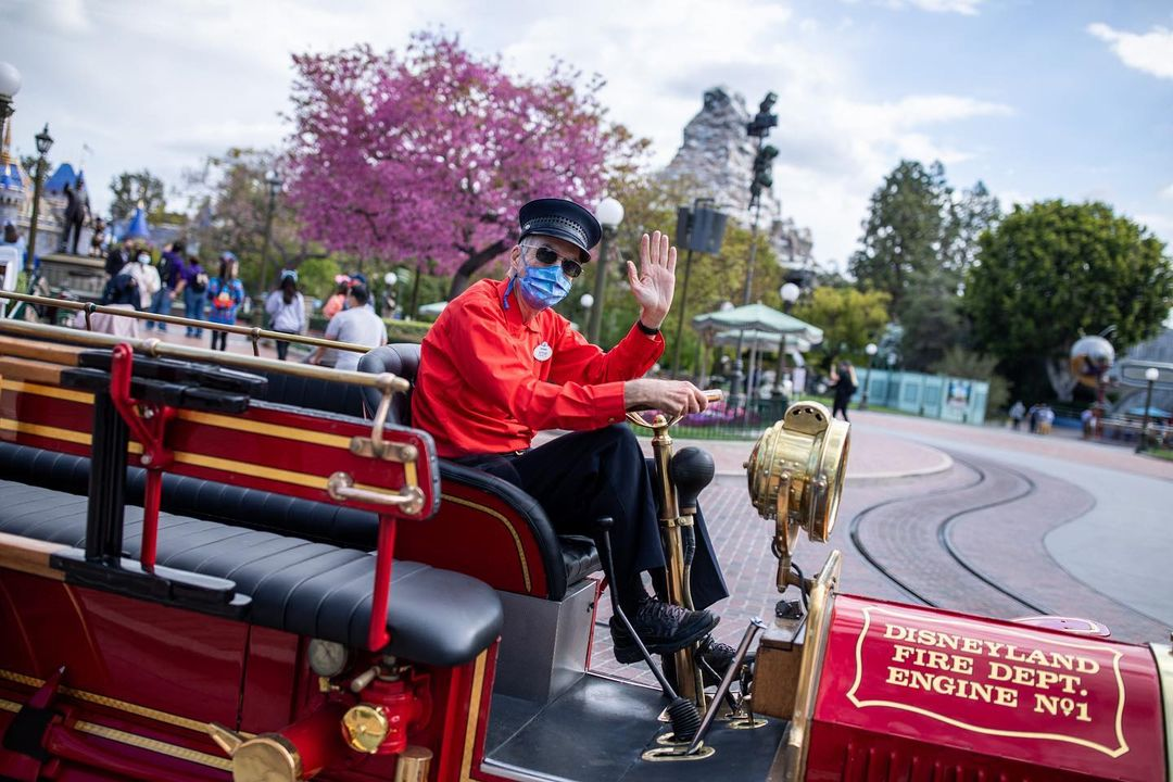 DL President Ken Potrock hints Disneyland AP Program will be returning in 2021
