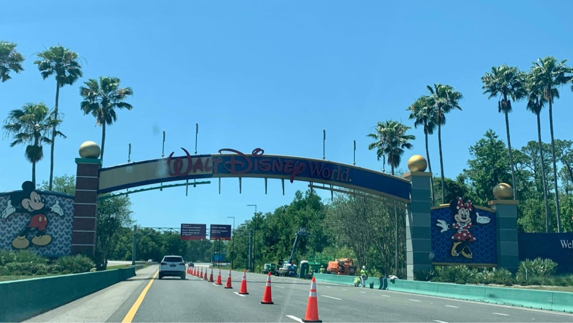 Final Disney World sign being painted