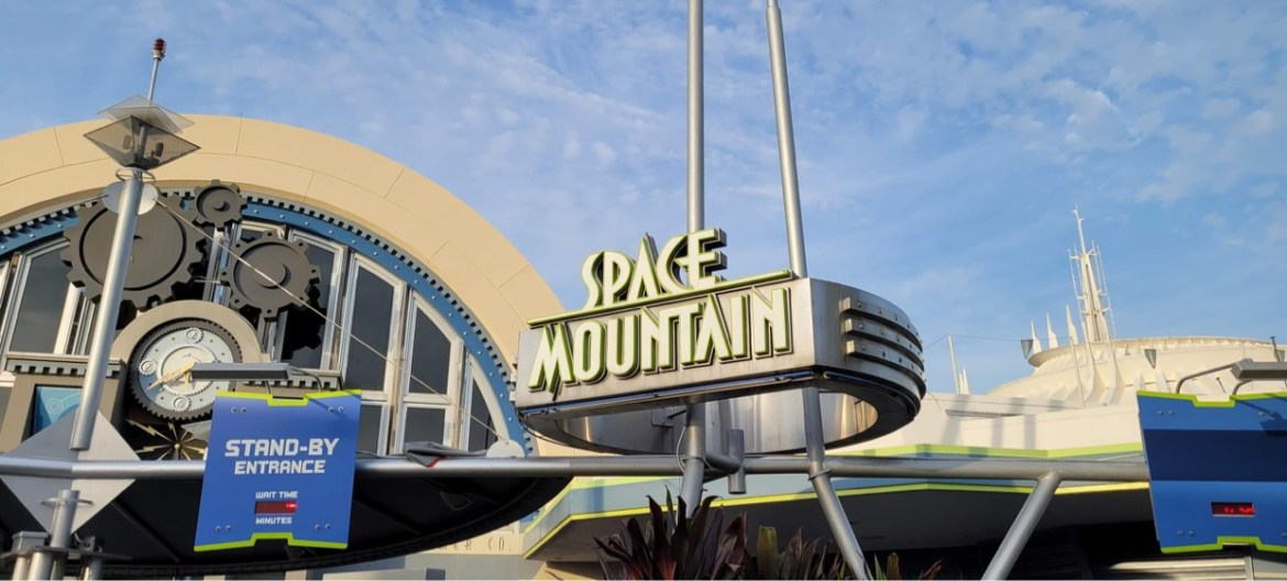 Bob Chapek Confirms Disney Virtual Queues & Park Passes are here to stay
