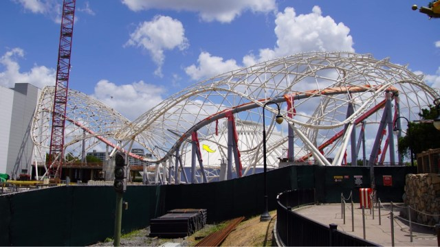 Temporary frame removed from Tron Lightcycle Run 1