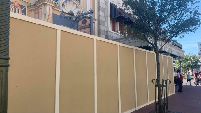 Construction walls go up around Main Street Confectionery in the Magic Kingdom 2