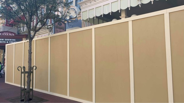 Construction walls go up around Main Street Confectionery in the Magic Kingdom 3