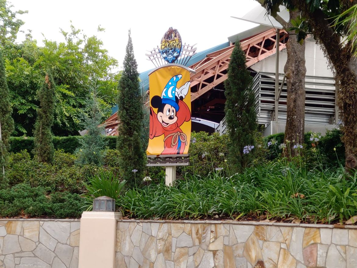 New Fantasmic Banners Up in Hollywood Studios