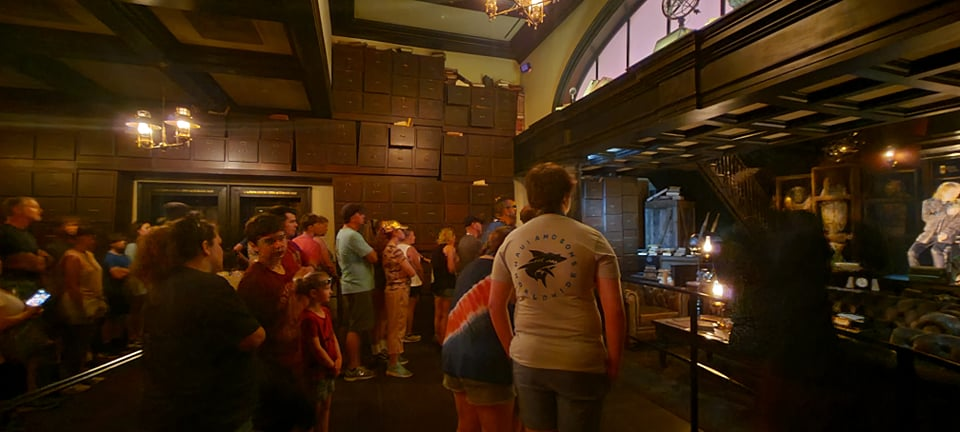 Escape from Gringotts Pre Show is running again! 4