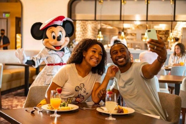 Fully Vaccinated Indoor Cast Members can now go mask free at Walt Disney World 2
