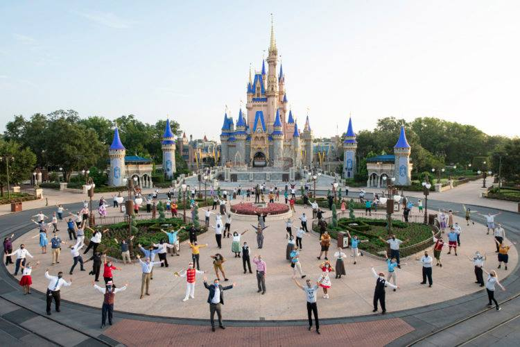 Disney is requiring all US Salary & Hourly Non-Union Cast Members to get vaccinated