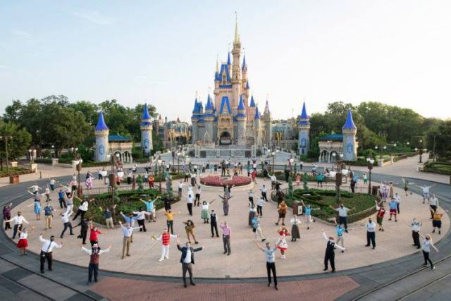 Fully Vaccinated Disney World Cast Members No Longer Required To Wear Masks Outdoors 2
