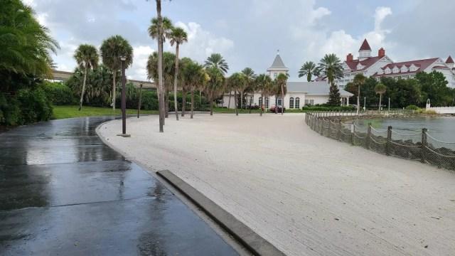 New walkway between Disney's Polynesian & Grand Floridian is now complete 4