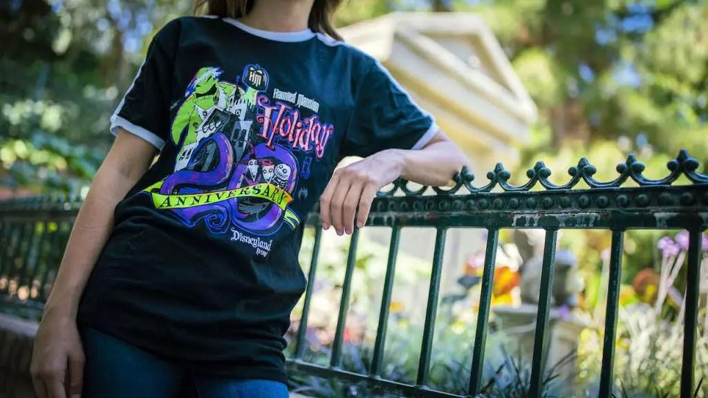 2021 Haunted Mansion Holiday Gingerbread House at Disneyland 3