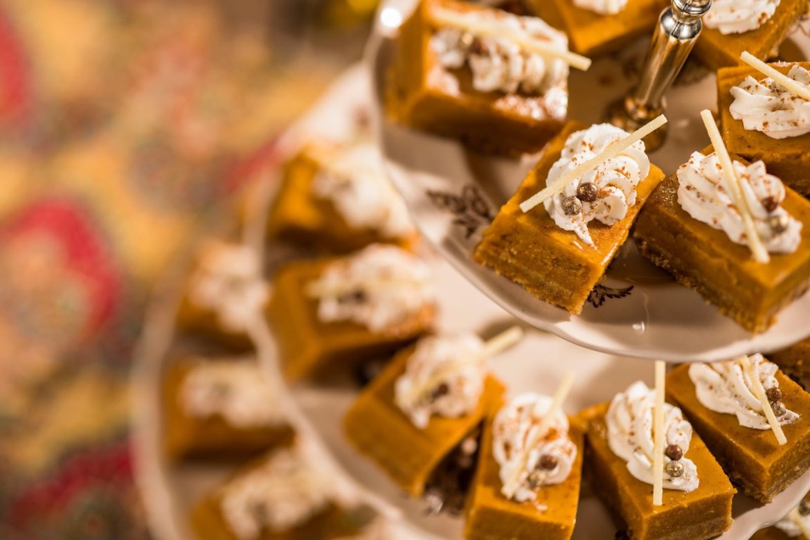 These Super Tasty Pumpkin Bars Are A Must Have This Fall Season!