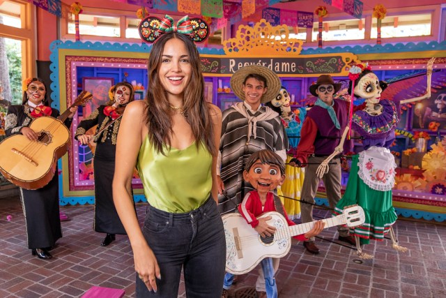 Stars come out for fall fun at Disneyland 3