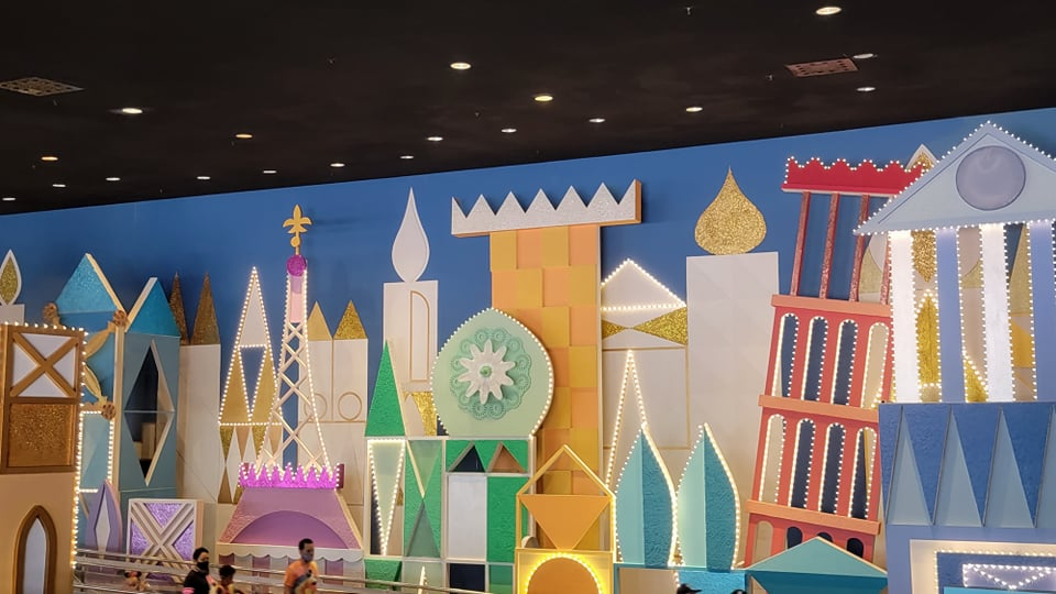 """50th Anniversary Painting Is Now Complete For """"it's a small world"""" 3"""