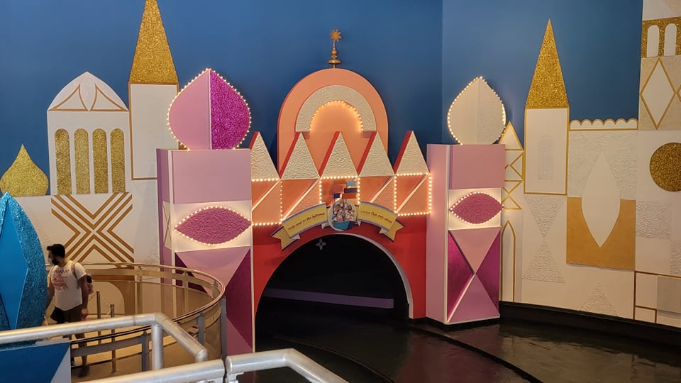 """50th Anniversary Painting Is Now Complete For """"it's a small world"""" 6"""