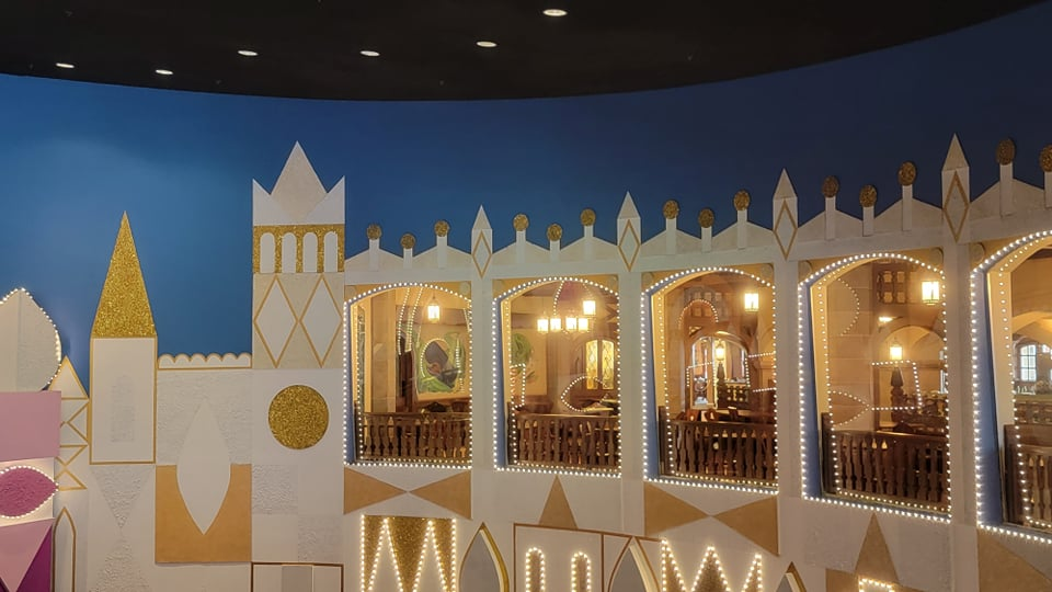 """50th Anniversary Painting Is Now Complete For """"it's a small world"""" 7"""