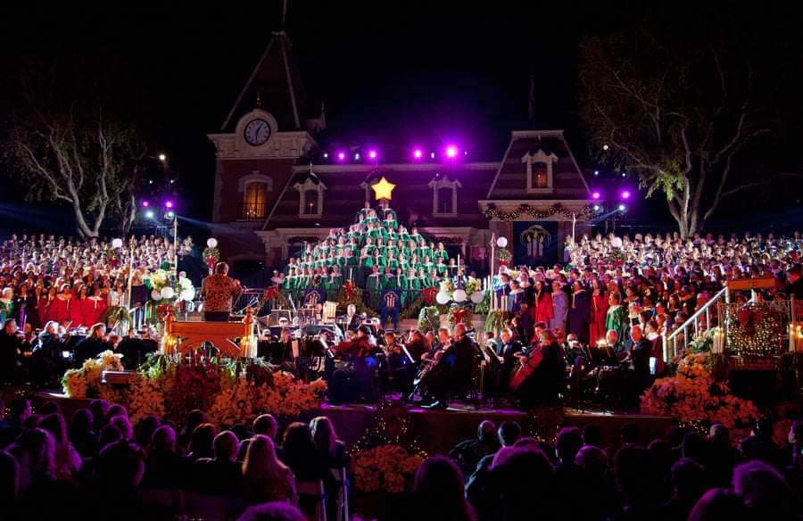 Dates for Disneyland's 2021 Candlelight Processional revealed
