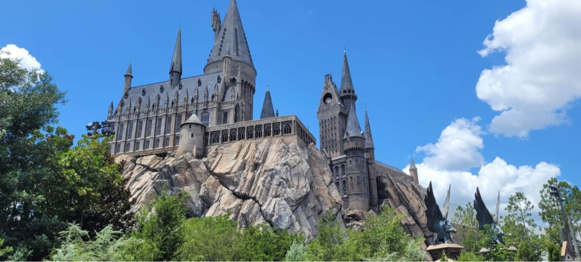 Universal Orlando is hiring ride and show technicians