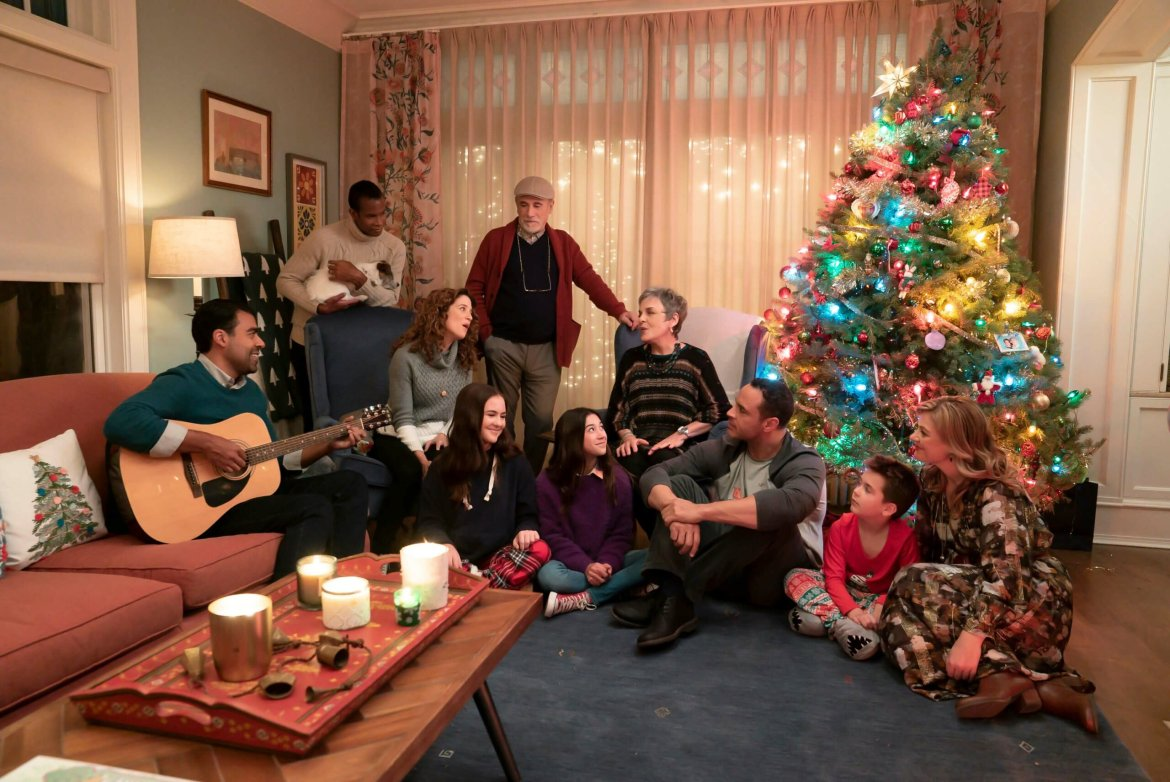 Take a First Look at the New Disney Channel Original Movie 'Christmas Again'