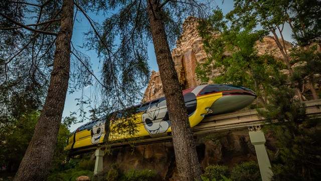 Disneyland Monorail to return to service on October 15th 3
