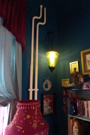 Suzanne Forbes decor Berkeley Flea lamp