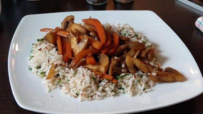 Cuib甜辣蔬食米飯