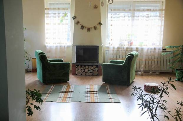 ukr1 Living Rooms from Around the World
