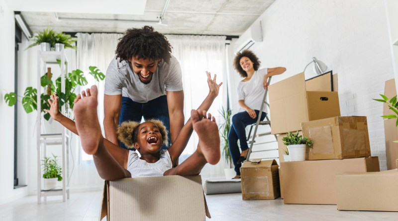 Blog4 iStock 1167907809 short term housing moving into a new home