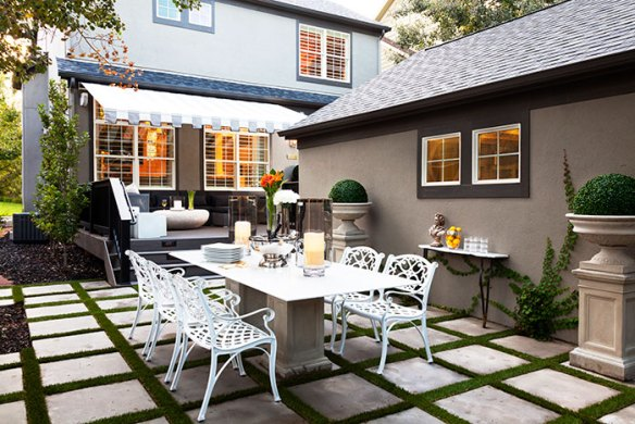 dining outside Turn Your Backyard