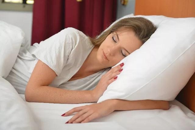 フカフカの寝具で寝ている