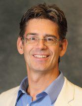Dr. André Bussières