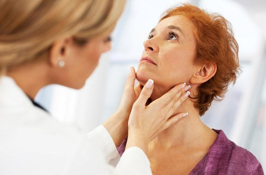 10 Signs and Remedies for Thyroid Diseases | Wellness Clinic