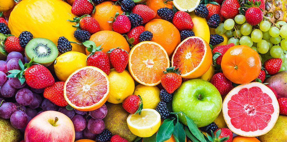 Image of a group of fruits with fructose.