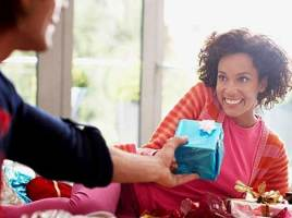 It's Easier to Buy Gifts for Women Than for Men