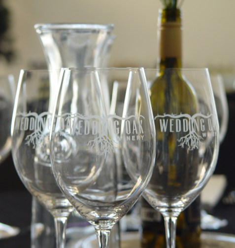 The Bosque Arts Center e-BAC online auction starting March 27 offers a Wedding Oak Winery Wine-Tasting and Dinner to bid on.