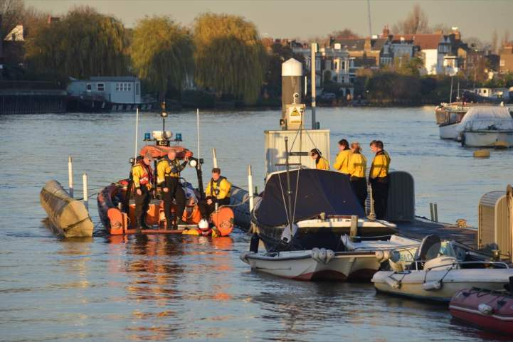 Chiswick Lifeboat RNLI Winter Practice 4