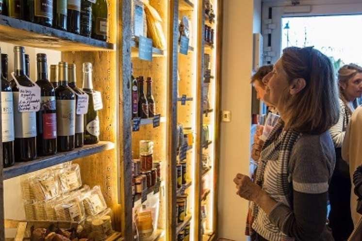The Chiswick Calendar The Weekend Hammonds (1) Choosing wine