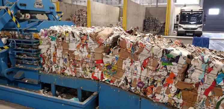 IMAGE Paper & cardboard 5 web image