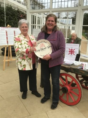 Sarah Syburn being presented the ICS Chiswick Plate from Pat Short
