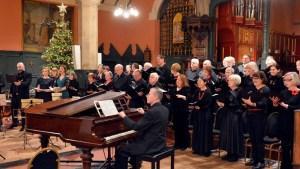 Hogarth Singers perform their Christmas concert