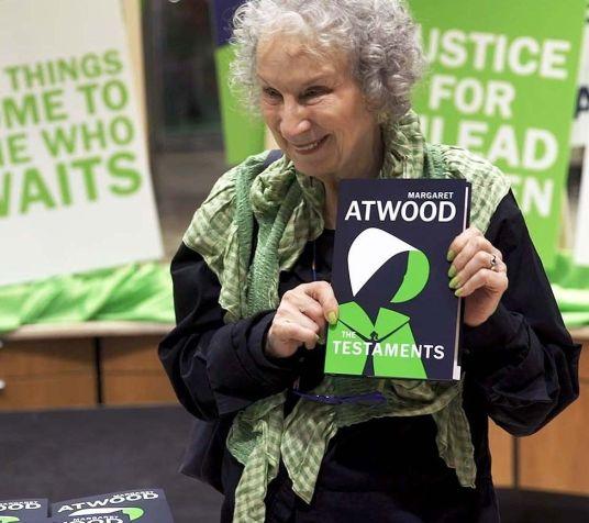 Margaret Atwood_web